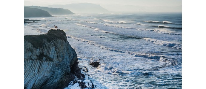 Los5 rincones más espectaculares para surfear del País Vasco